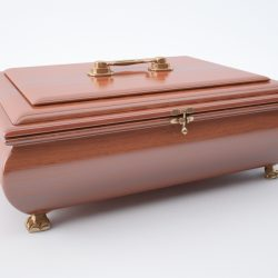 Jewellery casket ( 219.3KB jpg by SanT )