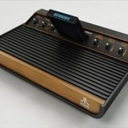 Atari 2600 VCS ( 55.55KB jpg by Plutonius )
